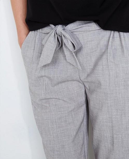 Broeken - Lichtgrijze geklede broek