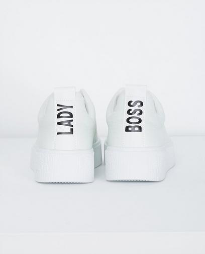 Witte sneakers