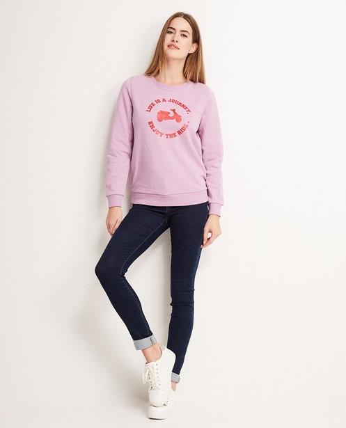Sweater met vespaprint - en opschrift - Groggy