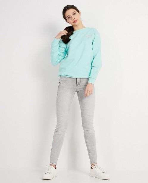 Sweater met opschrift - en geborduurd hartje - Groggy