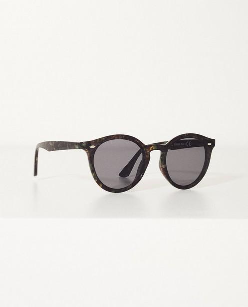 03b02cc00823fc Zwarte zonnebril - In kunststof - JBC. Zonnebrillen - ZWM ...