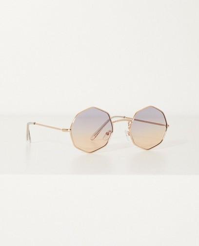 Roze metalen zonnebril