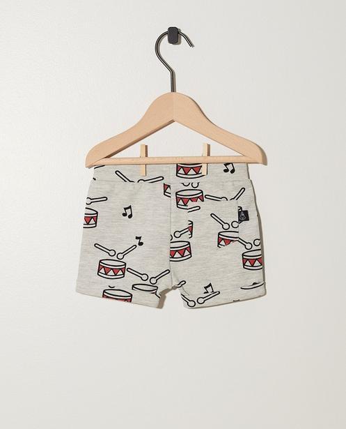Shorts - AO2 -