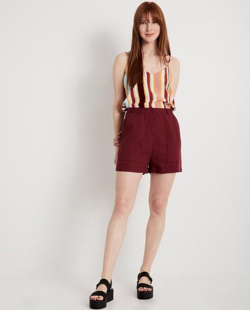 Short bordeaux Karen Damen - avec une fine structure - Karen Damen