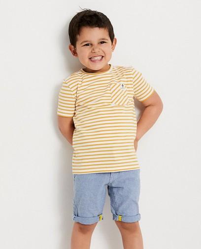 Wit T-shirt met blauwe strepen