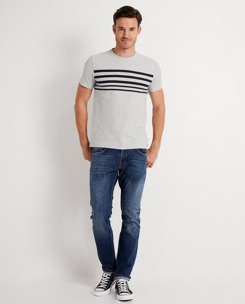 T-shirt gris, rayures bleues - avec une structure - Iveo
