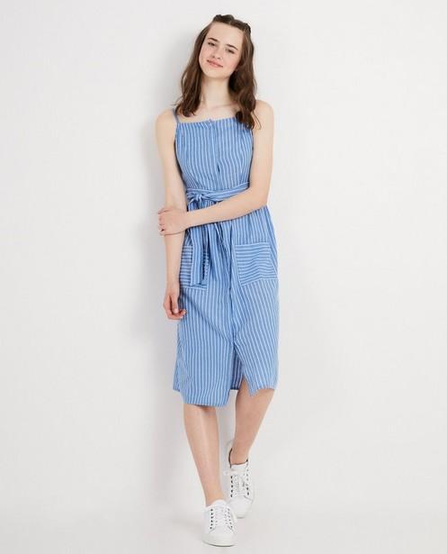 Blauwe maxi-jurk met witte strepen - verticale strepen - Groggy