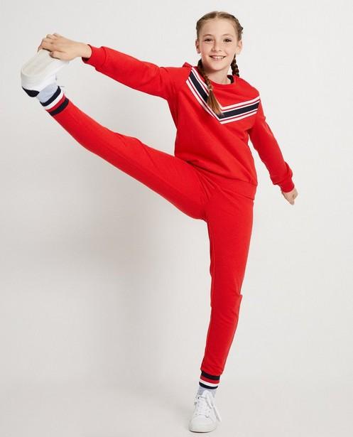 Rode sweater met streep BESTies - in color block - Besties