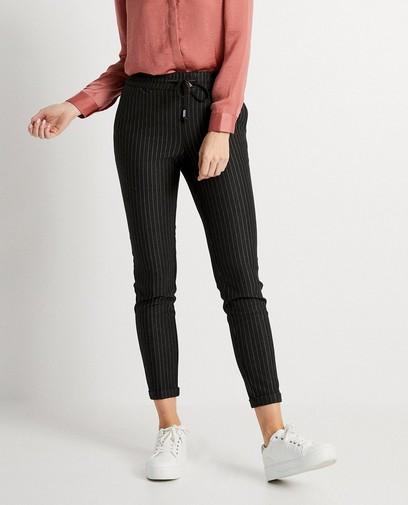 Pantalon gris, fines rayures