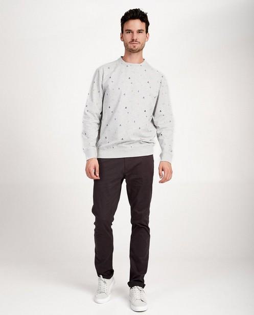 Grijze sweater van biokatoen I AM - met allover print - I AM