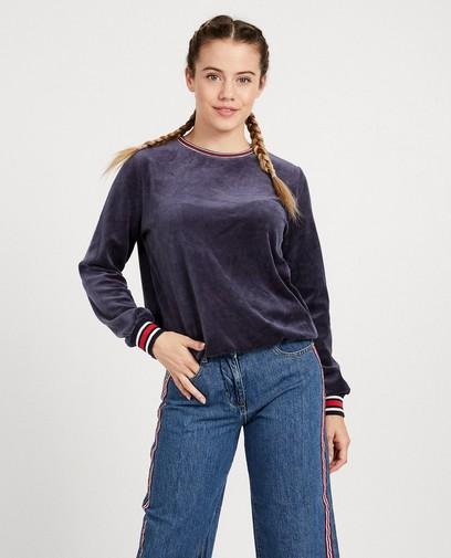 Blauwe sweater van fluweel