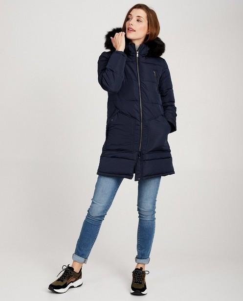 Donkerblauwe jas met faux-fur Sora - kraag aan de kap - JBC