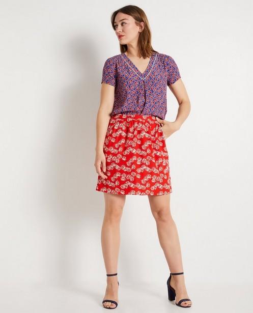 Jupe rouge vif, imprimé floral - et biais décoratif - JBC