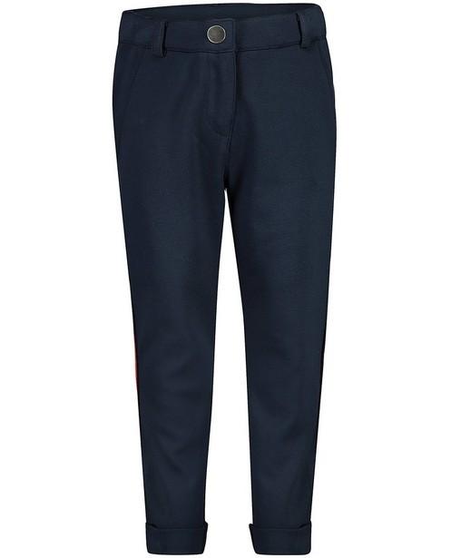 Blauwe broek met rode streep - aan de zij - JBC