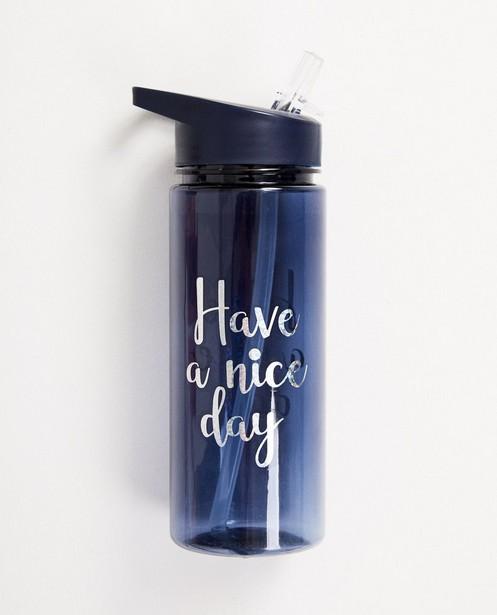 Blaue Trinkflasche mit Aufschrift - transparent - JBC