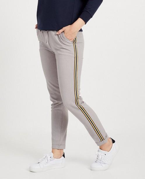 Broeken - Grijze broek met streep