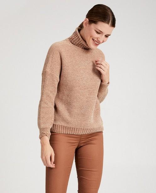 Pulls - light brown -
