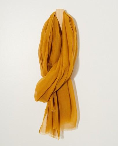 Écharpe jaune avec effilochures