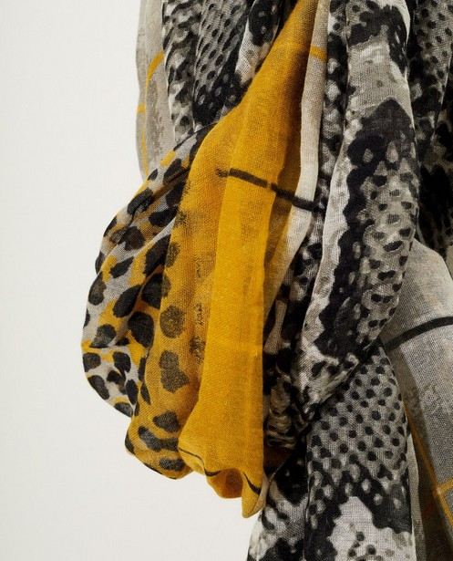 Breigoed - ASM - Grijze sjaal met slangenprint