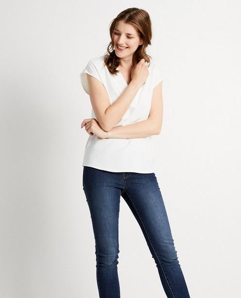 Hemden - Wit shirt met V-hals