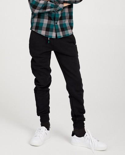 Zwarte broek met opschrift