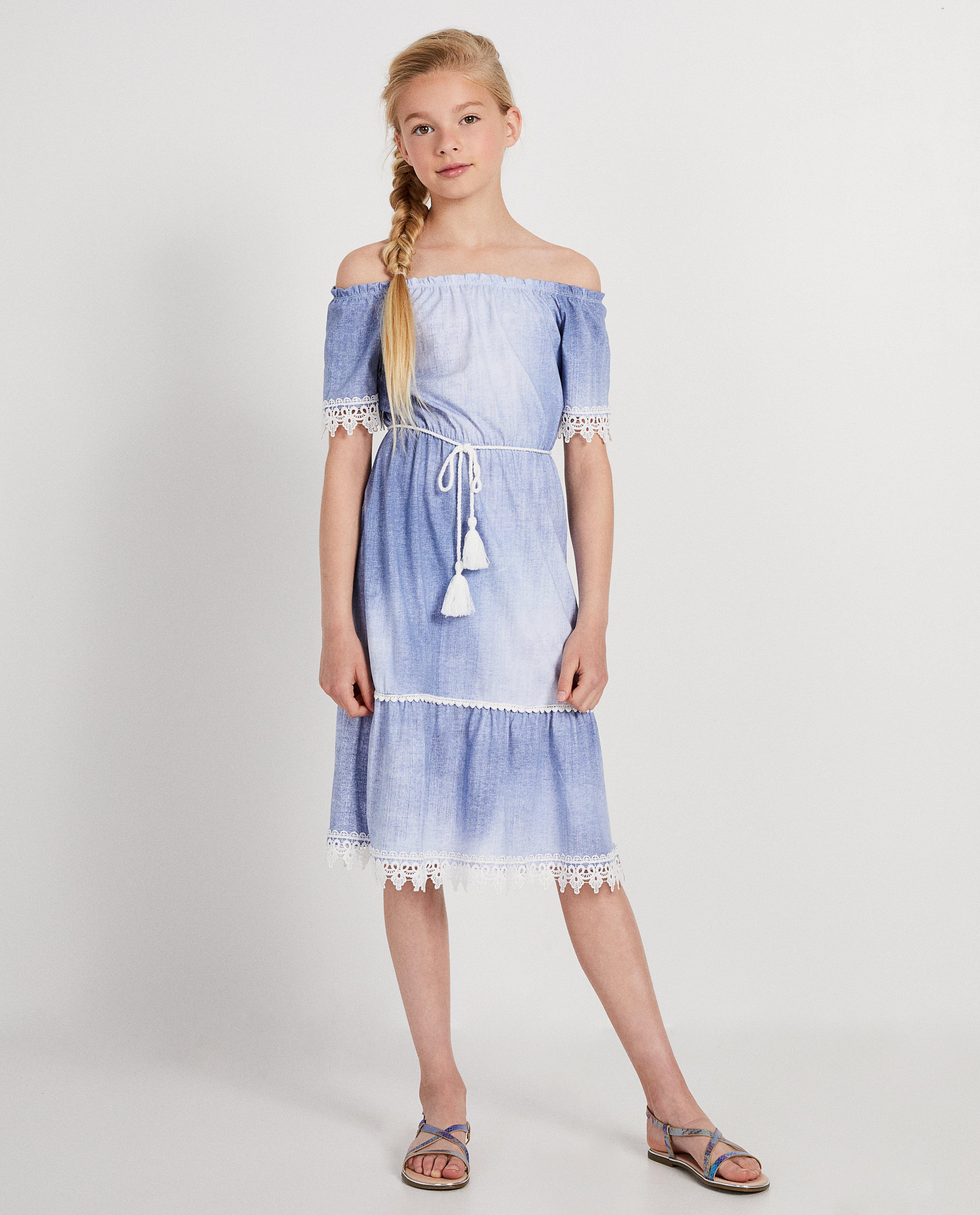 4e68754505e4a2 Blauwe jurk met kant Elle Italia met denimlook