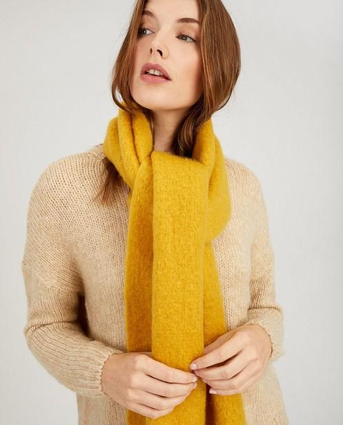 Okergele sjaal Pieces - franjes - Pieces