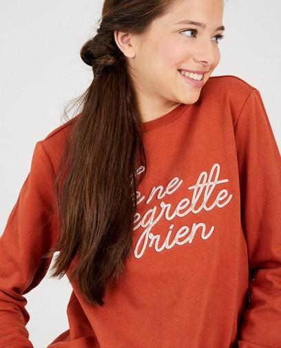 Roestbruine sweater met opschrift
