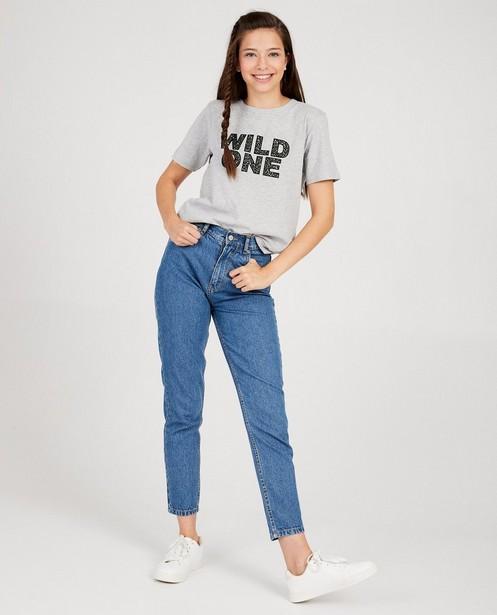 Antracietgrijze T-shirt 'Wild One' - fluwelen letters - Groggy