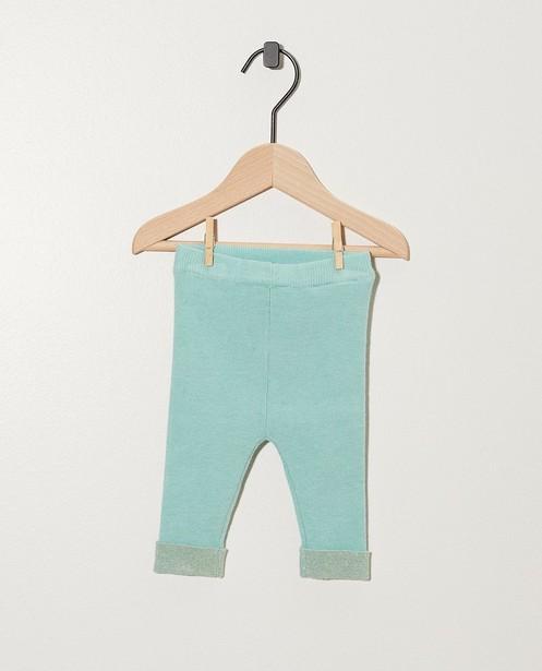 Lichtblauw broekje van fijne brei - met metaaldraad - Newborn