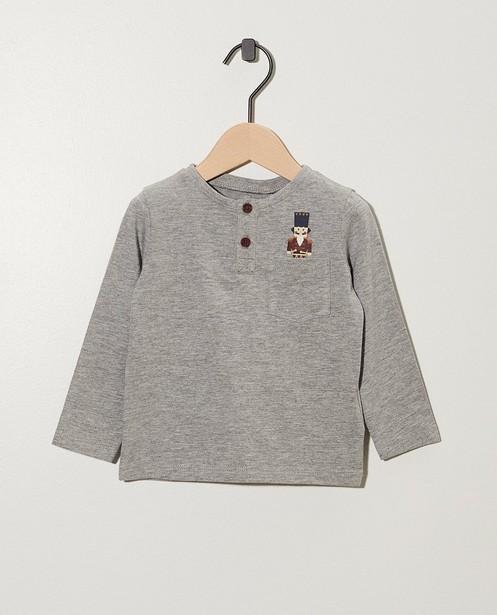 Grijs shirt met notenkraker-print - aan de borstzak - cudd