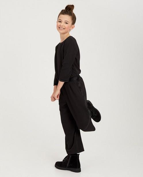 Zwarte jumpsuit met fluweel - fluwelen details - fish