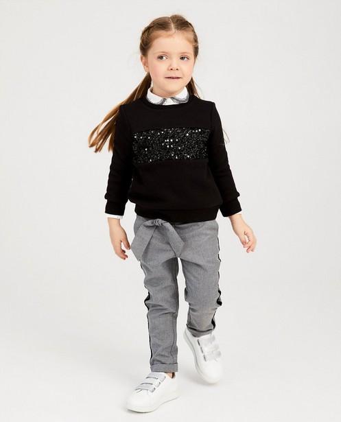 Zwarte sweater met pailletten - op de borst - Milla Star