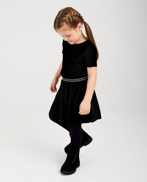 Zwarte jurk van fluweel - geribd - Milla Star