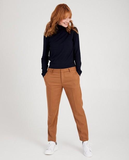 Bruine broek Sora - met strijkplooien - Sora