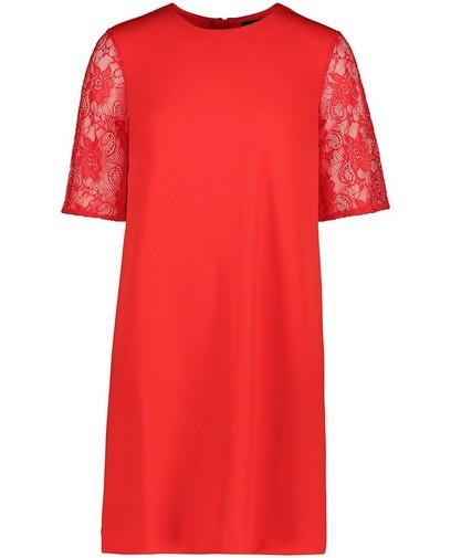 Rode jurk met mouwen van kant