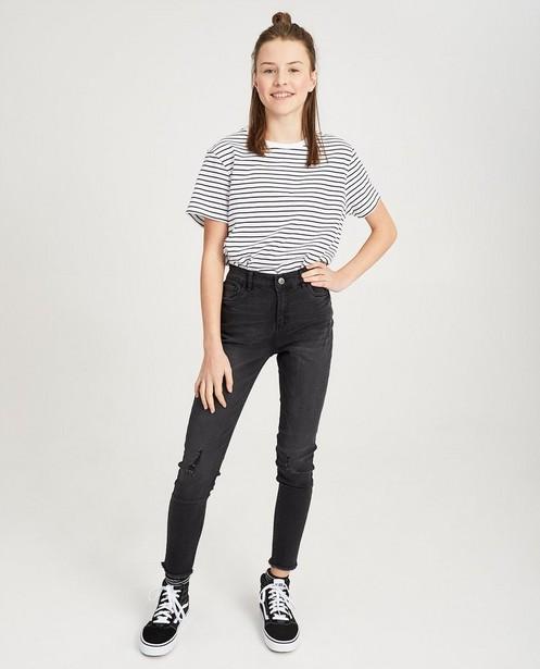 Wit T-shirt met zwarte strepen - allover print - Groggy