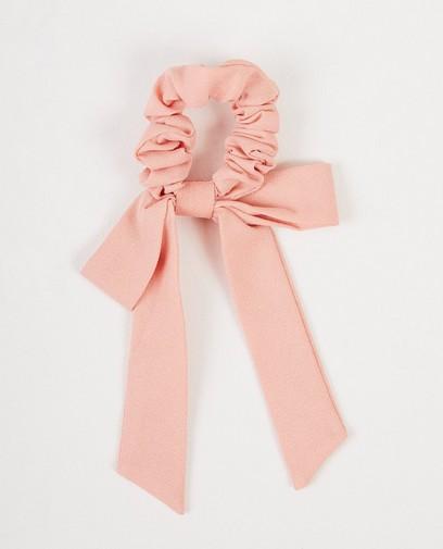 Roze scrunchie met strik