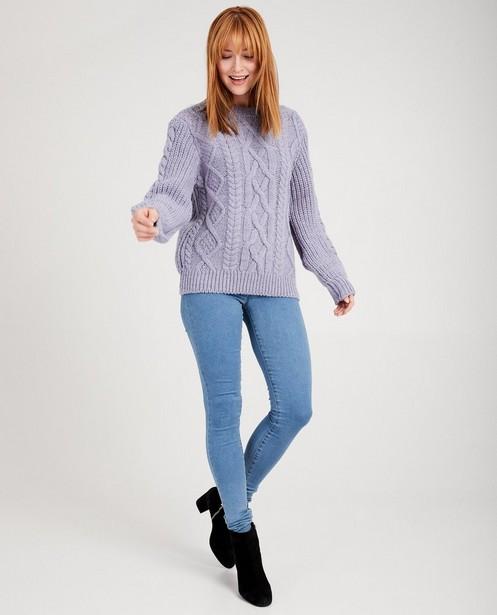 Blauwe trui met kabelpatroon Sora - van grove brei - Sora