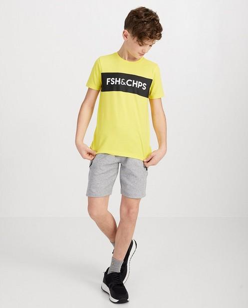 Geel T-shirt met opschrift - 'FSH&CHPS' - fish