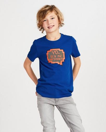 T-shirt bleu d'anniversaire