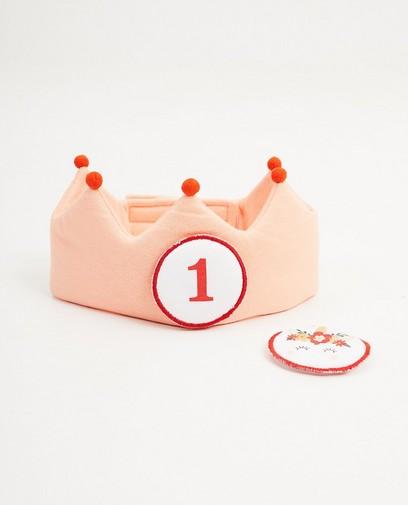 Roze verjaardagskroon, 1 jaar