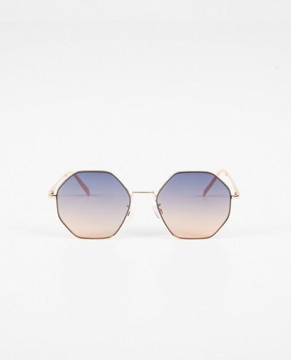 Zonnebril met hoekige glazen