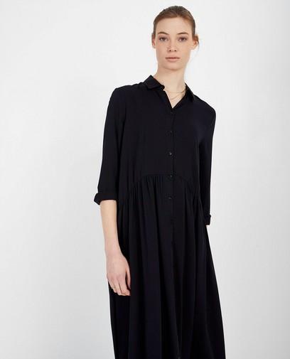 Robe noire Katja Retsin
