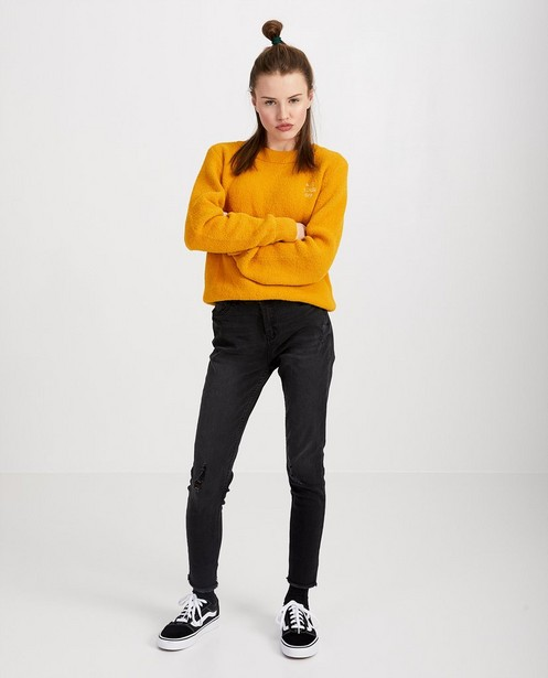 Gele trui met opschrift - van fijne brei - Groggy