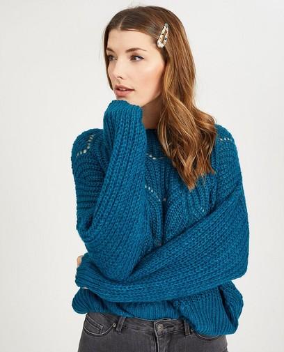Pull bleu, motif ajouré