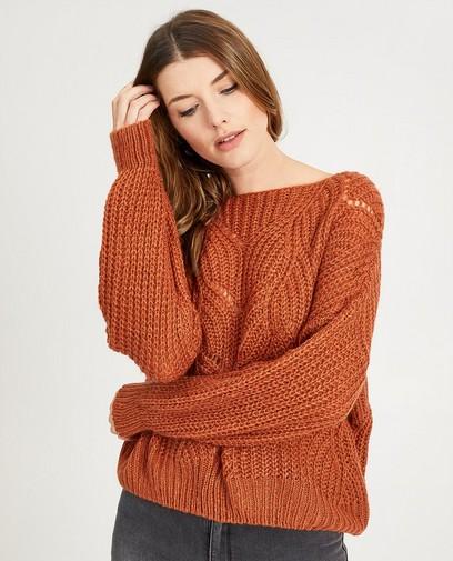 Roestbruine trui met ajourpatroon
