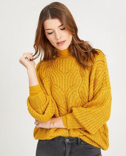 Gele trui met ajourpatroon