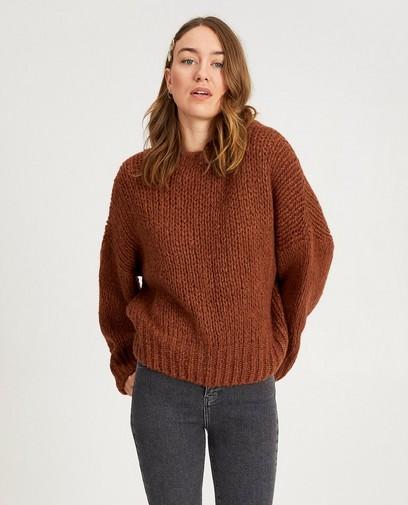Pull brun en tricot