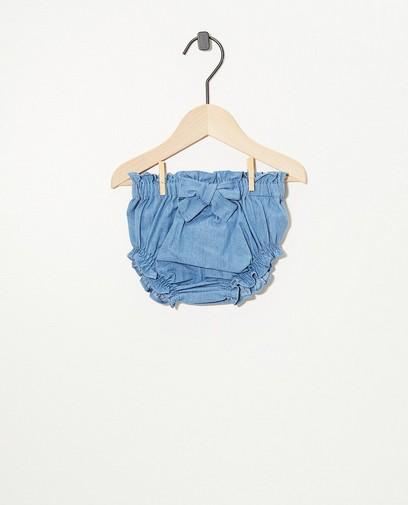 Culotte bleue avec un nœud papillon